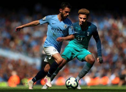 Man City tro lai ngoi dau sau chien thang truoc Tottenham hinh anh 43