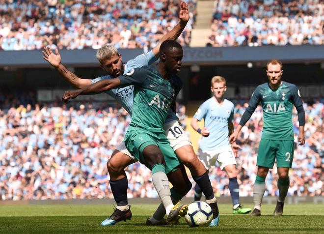 Man City tro lai ngoi dau sau chien thang truoc Tottenham hinh anh 42