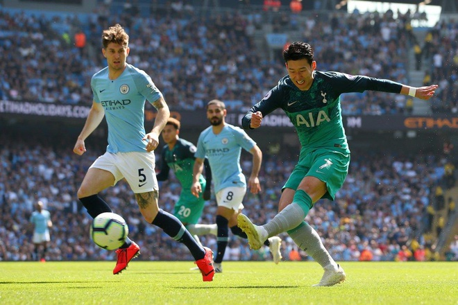 Man City tro lai ngoi dau sau chien thang truoc Tottenham hinh anh 39