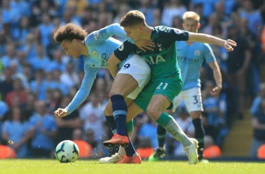 Man City tro lai ngoi dau sau chien thang truoc Tottenham hinh anh 46