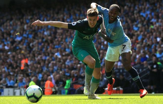 Man City tro lai ngoi dau sau chien thang truoc Tottenham hinh anh 34