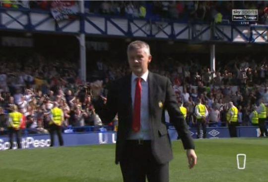 Pogba bi tay chay vi than thien voi cau thu Everton sau that bai hinh anh 1