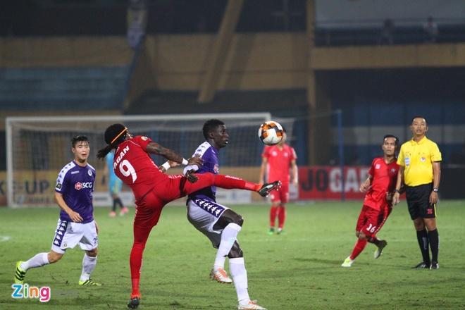 Quang Hai ghi ban, CLB Ha Noi loi nguoc dong truoc Hai Phong hinh anh 27