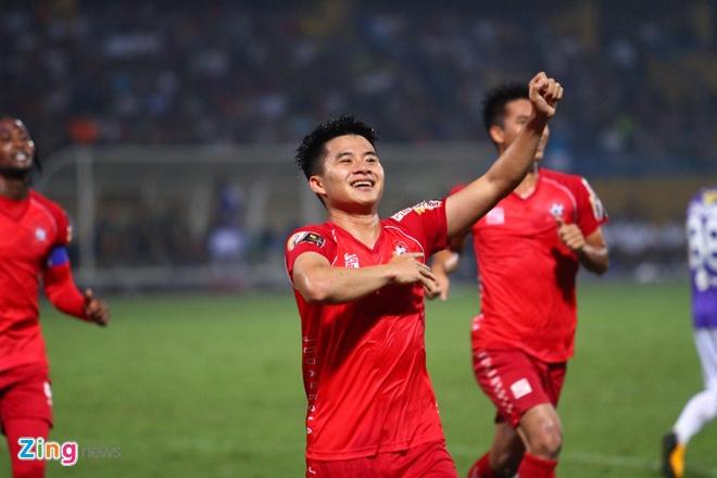 Quang Hai ghi ban, CLB Ha Noi loi nguoc dong truoc Hai Phong hinh anh 41