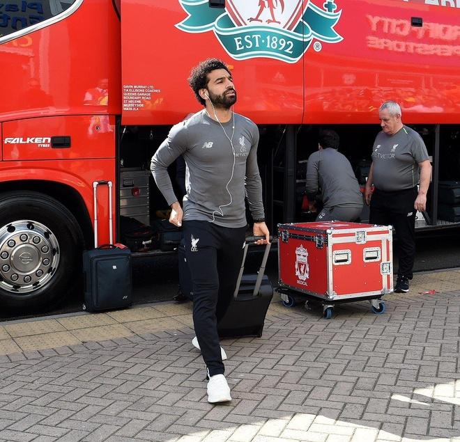 Liverpool tro lai ngoi dau sau chien thang truoc Cardiff City hinh anh 7