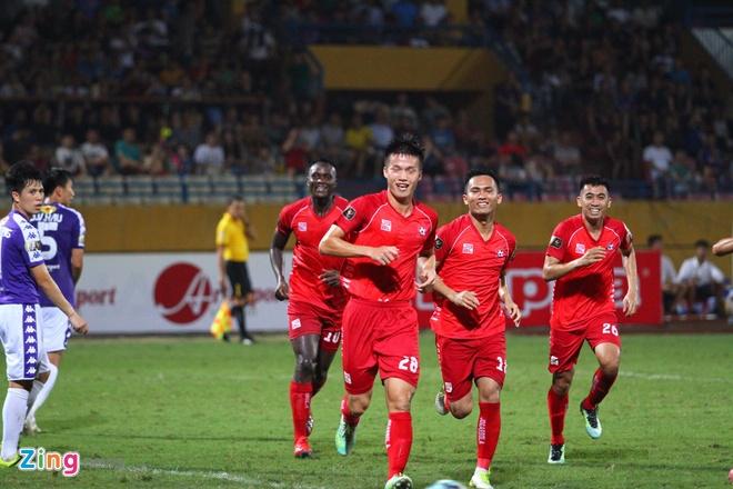 Quang Hai ghi ban, CLB Ha Noi loi nguoc dong truoc Hai Phong hinh anh 43