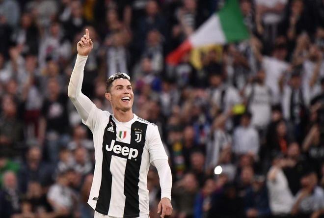 Ronaldo an mung phan khich trong ngay gianh Scudetto hinh anh 5