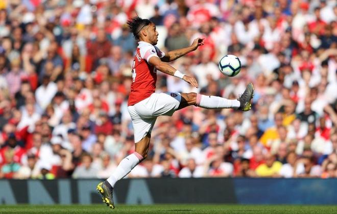 Arsenal tiep lua cho cuoc dua top 4 bang tran thua tren san nha hinh anh 21
