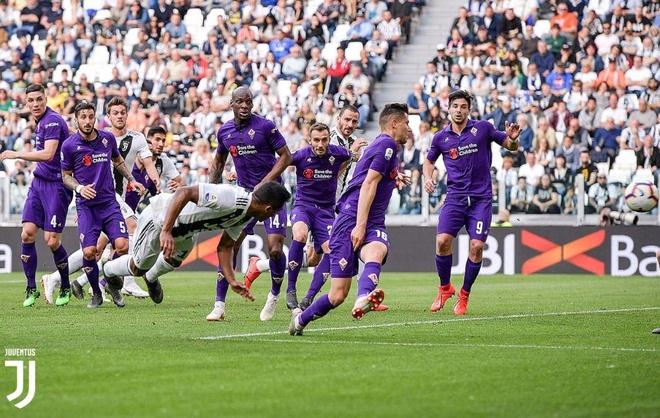 Ha Fiorentina, Ronaldo cung Juventus vo dich Serie A som 5 vong hinh anh 12