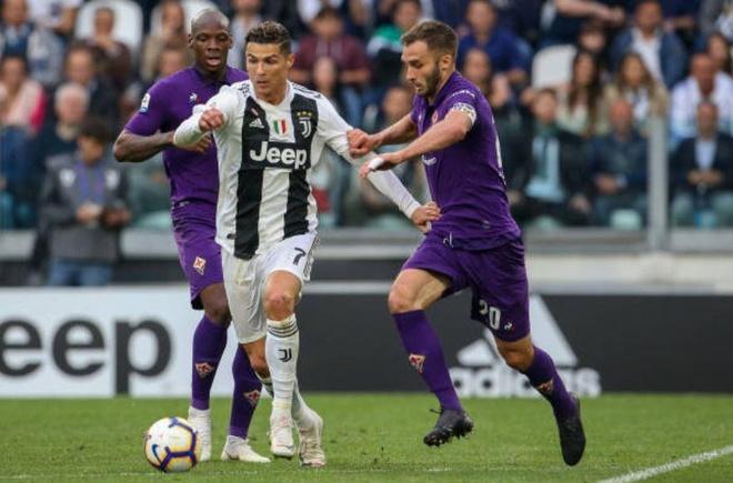 Ha Fiorentina, Ronaldo cung Juventus vo dich Serie A som 5 vong hinh anh 17