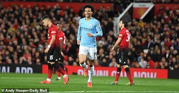 Ha MU, Man City tien buoc dai trong cuoc dua vo dich Premier League hinh anh 26