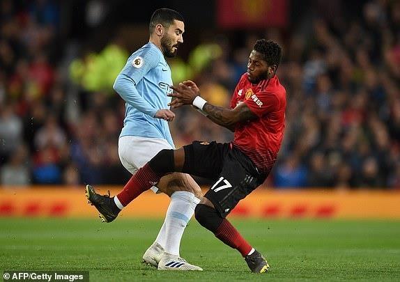 Ha MU, Man City tien buoc dai trong cuoc dua vo dich Premier League hinh anh 12