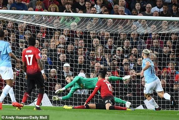 Ha MU, Man City tien buoc dai trong cuoc dua vo dich Premier League hinh anh 13