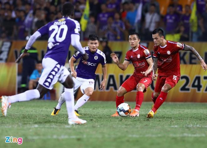 Quang Hai toa sang giup CLB Ha Noi len dinh V.League hinh anh 18