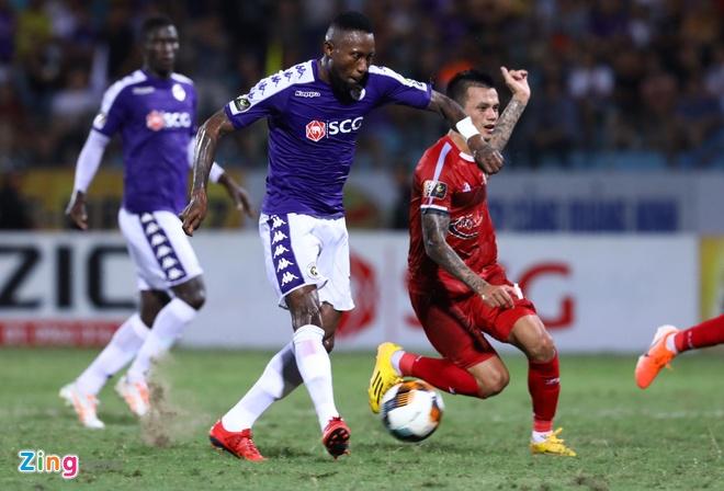 Quang Hai toa sang giup CLB Ha Noi len dinh V.League hinh anh 19