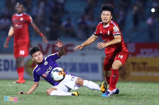 Quang Hai toa sang giup CLB Ha Noi len dinh V.League hinh anh 25