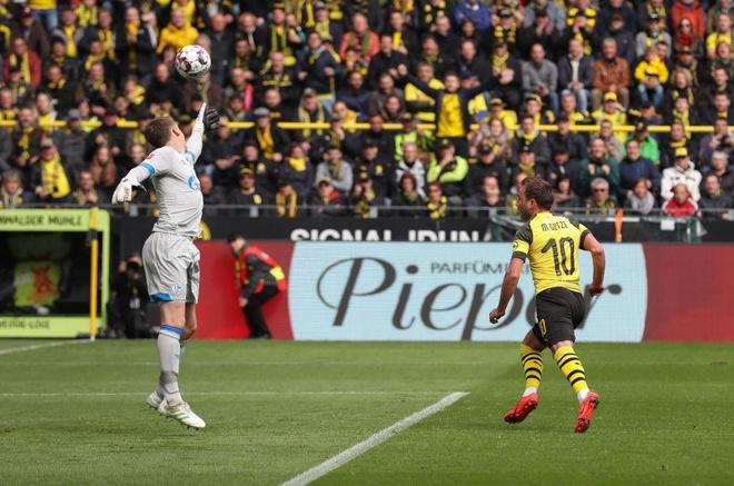 Reus nhan the do, Dortmund dang chuc vo dich cho Bayern hinh anh 1