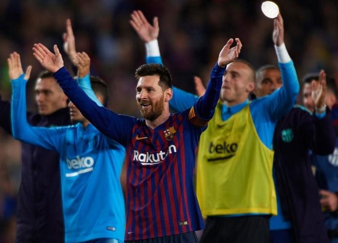 Messi cung dong doi huong dac quyen sau chuc vo dich som 3 vong dau hinh anh 2