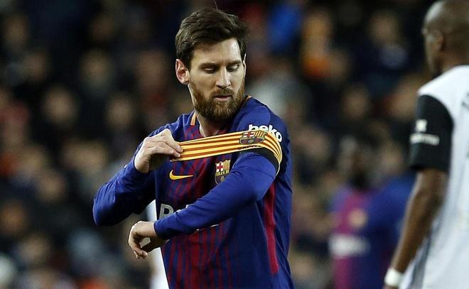 Messi lap cu dup, Barca nhan chim Liverpool tren san nha hinh anh 10