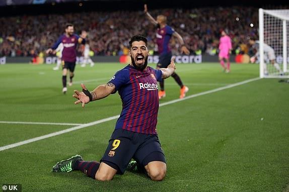Messi lap cu dup, Barca nhan chim Liverpool tren san nha hinh anh 24