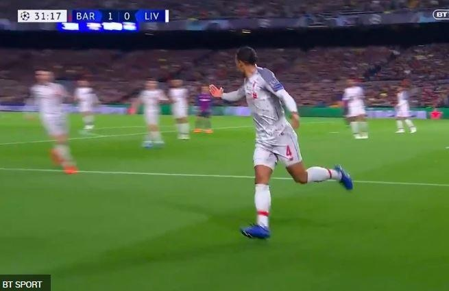 Van Dijk khong the kem Messi anh 1