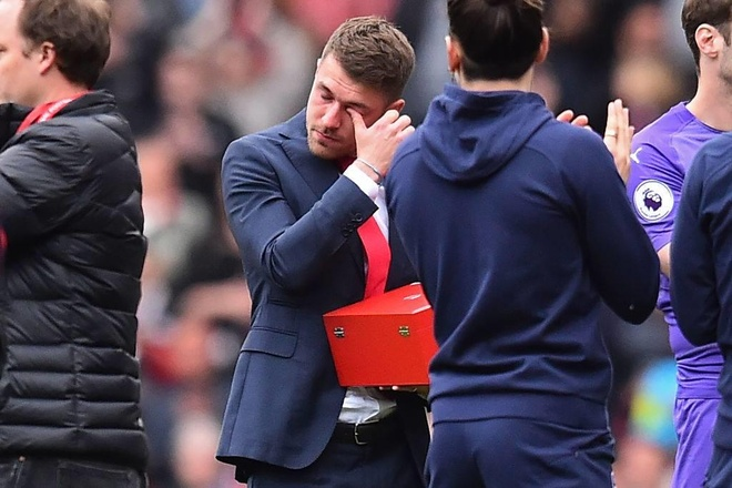 Ramsey bat khoc trong ngay chia tay san Emirates hinh anh 4