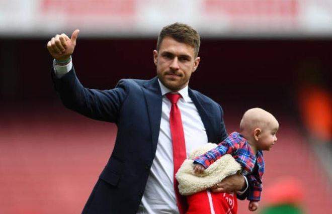 Ramsey bat khoc trong ngay chia tay san Emirates hinh anh 5