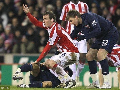 Ramsey bat khoc trong ngay chia tay san Emirates hinh anh 7