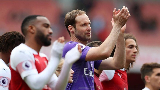 Ramsey bat khoc trong ngay chia tay san Emirates hinh anh 9