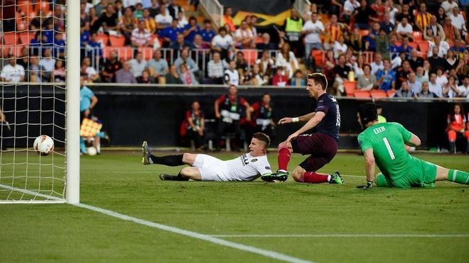 Aubameyang lap hat-trick dua Arsenal vao chung ket Europa League hinh anh 13