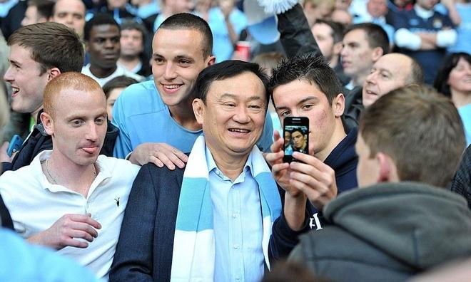 Ong Thaksin chuan bi thau tom them mot CLB Premier League hinh anh 2