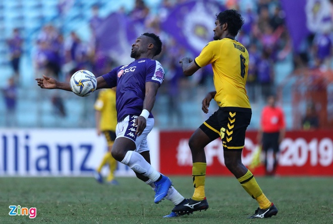 CLB Ha Noi 2-0 Tampines Rovers: Thanh Chung gia tang cach biet hinh anh 4
