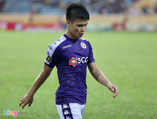 Bui Tien Dung 2 lan chon chan trong tran thua cua CLB Ha Noi hinh anh 14