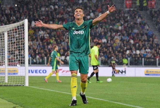 Ronaldo gay ngo ngang voi ky thuat 'xe dap chong nguoc' hinh anh 8
