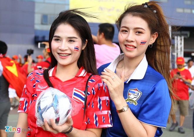 Que Ngoc Hai, Bui Tien Dung tri an Dinh Trong bang ao dau so 21 hinh anh 27