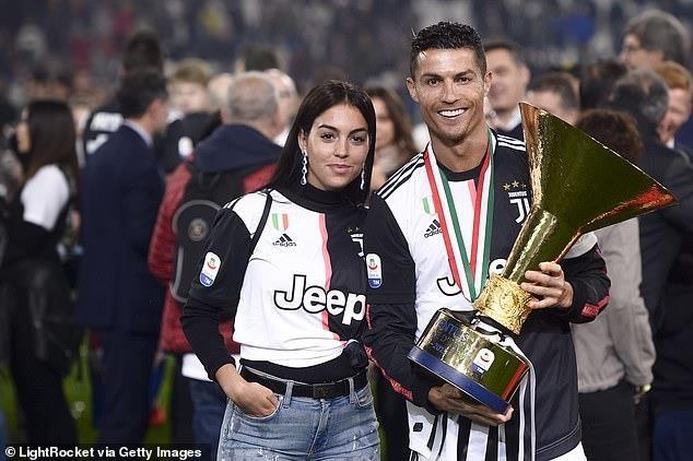 Ramos khong moi Ronaldo du tiec cuoi hinh anh 2