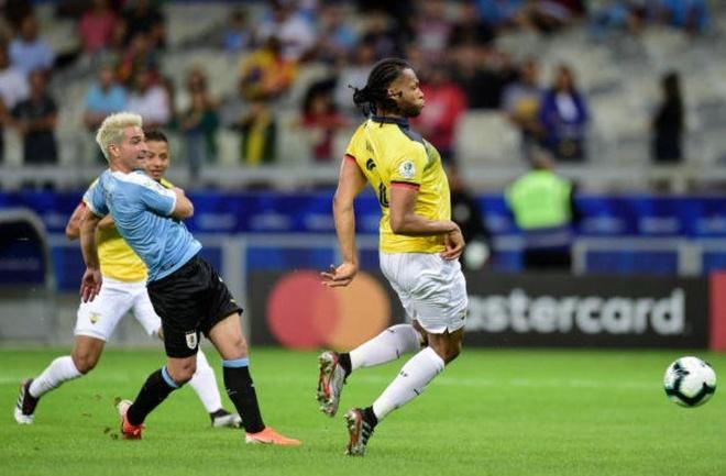 Uruguay 4-0 Ecuador: Cavani, Suarez toa sang hinh anh 7