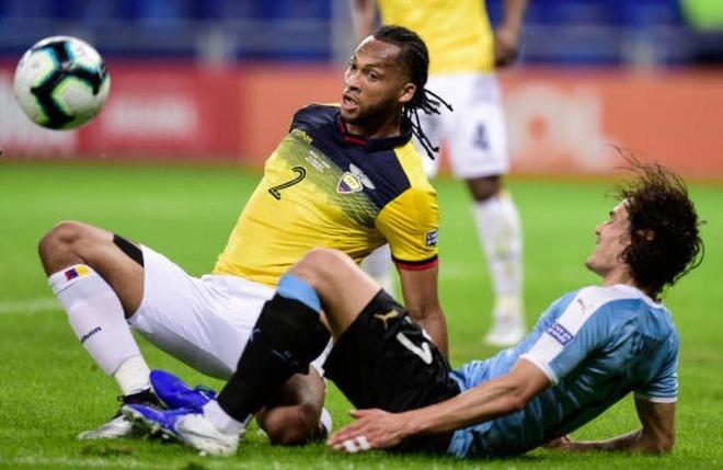 Uruguay 4-0 Ecuador: Cavani, Suarez toa sang hinh anh 14