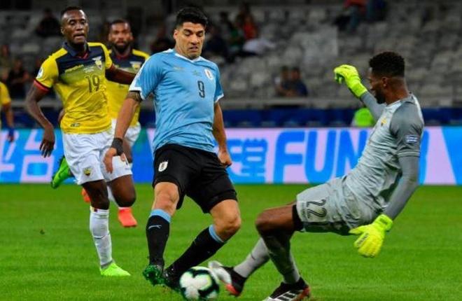 Uruguay 4-0 Ecuador: Cavani, Suarez toa sang hinh anh 15