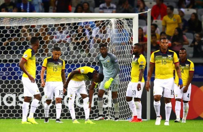 Uruguay 4-0 Ecuador: Cavani, Suarez toa sang hinh anh 11