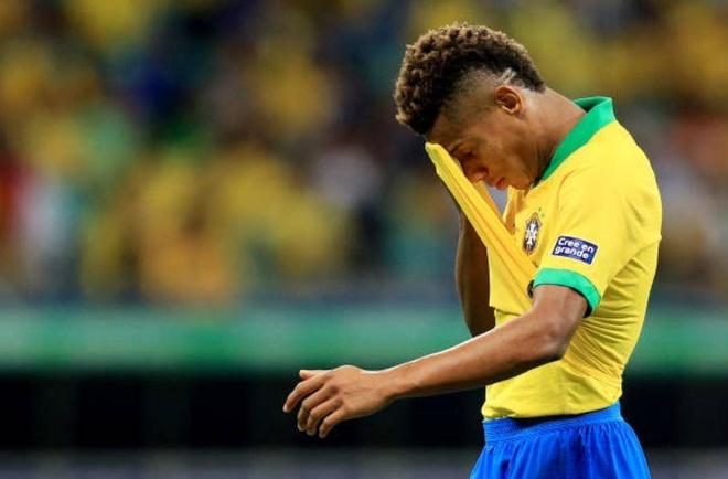 VAR tu choi 2 ban thang khien Brazil chia diem truoc Venezuela hinh anh 10