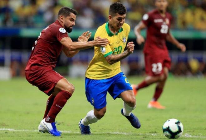 VAR tu choi 2 ban thang khien Brazil chia diem truoc Venezuela hinh anh 13
