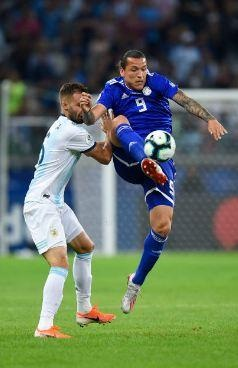 Messi ghi ban, Argentina co diem dau tien tai Copa America hinh anh 16