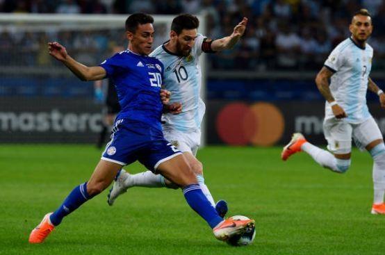 Messi ghi ban, Argentina co diem dau tien tai Copa America hinh anh 17