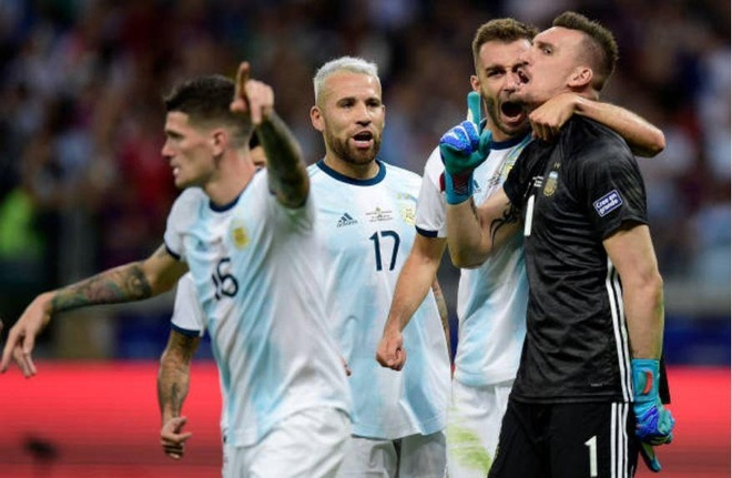Messi ghi ban, Argentina co diem dau tien tai Copa America hinh anh 34