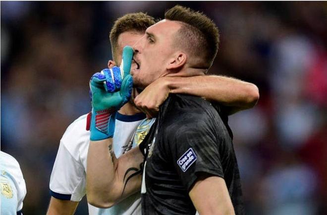 Messi ghi ban, Argentina co diem dau tien tai Copa America hinh anh 35
