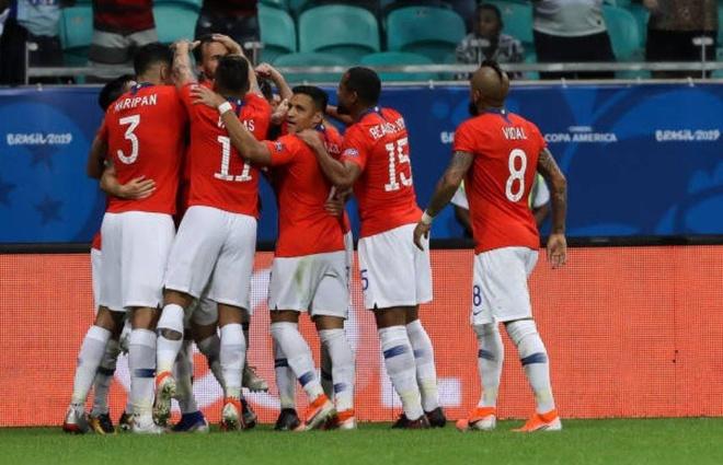 Sanchez ghi ban quyet dinh dua Chile qua vong bang Copa America hinh anh 10
