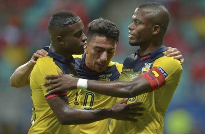 Sanchez ghi ban quyet dinh dua Chile qua vong bang Copa America hinh anh 13