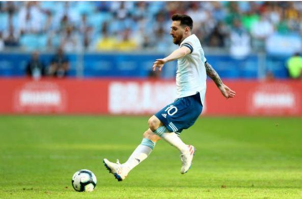 Aguero ghi ban dua Argentina vao tu ket Copa America 2019 hinh anh 24