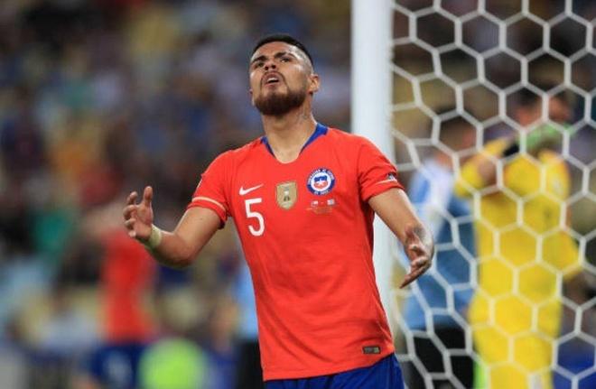 Chile bi day vao the kho sau tran thua Uruguay hinh anh 16